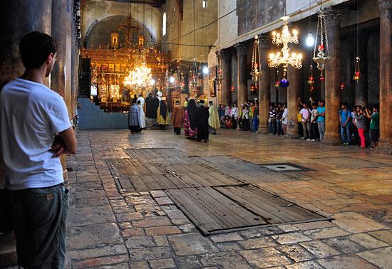 Bethlehem, Geburtskirche, Ritual. (© Matthias Hinrichsen)