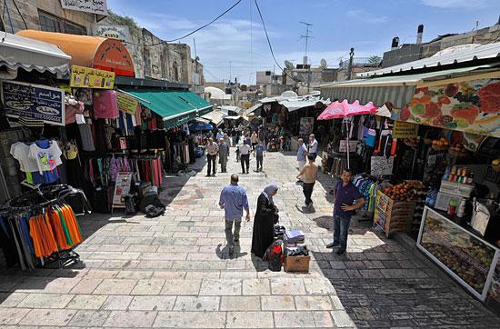 Jerusalem, Altstadt, arabisches Viertel - Hauptweg vom Damaskustor. (© Matthias Hinrichsen)