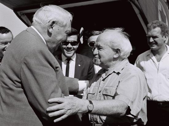David Ben Gurion mit Ludwig Erhard im Jahr 1967. (Foto: Moshe Milner/GPO)