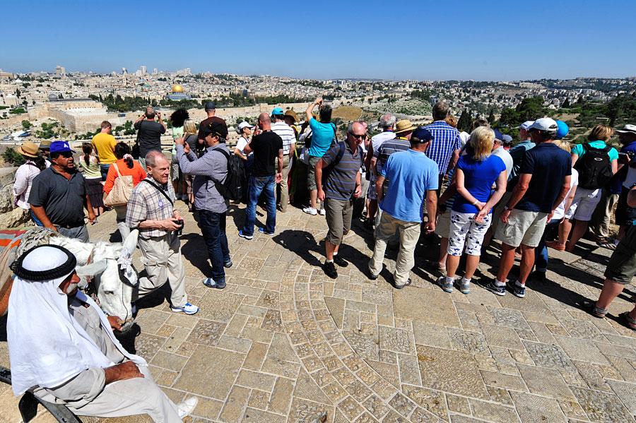 Beliebtes Reiseziel für Gruppen: Auf dem Ölberg mit Blick auf Jerusalem.