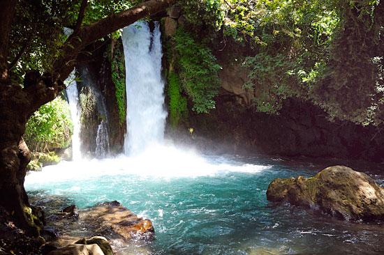 Der Banias-Wasserfall im Norden Israels. (© Matthias Hinrichsen)