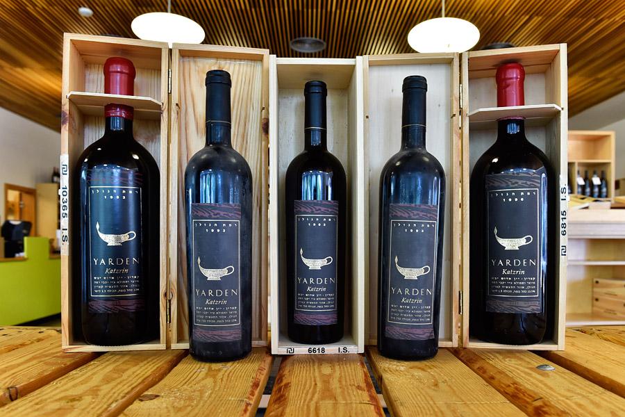 Die ältesten Flaschen von 1993 werden für rund 6.600 Shekel angeboten. (© Matthias Hinrichsen)