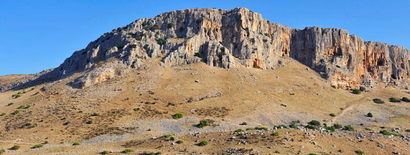Die Arbelklippen können von Magdala aus erklommen werden. (© Matthias Hinrichsen)