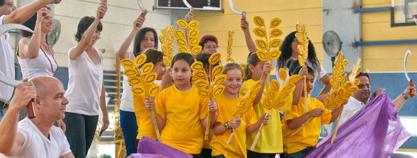 Im Kibbutz Mashabe Sade wird Schawuot gefeiert. (© Matthias Hinrichsen)