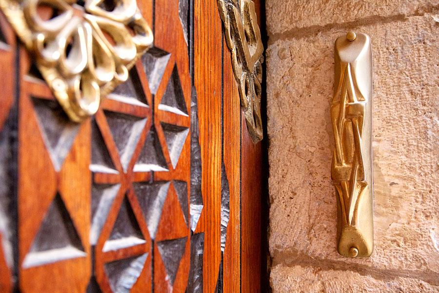 "Mezuzah in Jerusalem. (© Israel_photo_gallery ""Mezuzah_1_Noam Chen_IMOT"" CC BY-SA 2.0)"