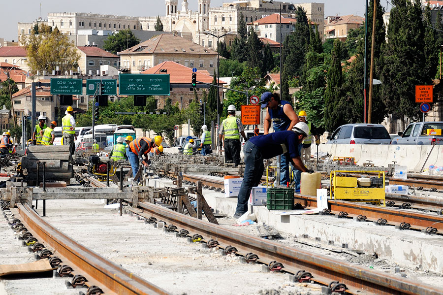 Die Straßenbahn in Jerusalem während der Bauphase. (© Matthias Hinrichsen)