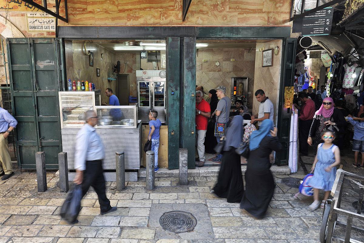 Falafel lecker und preiswert in muslimischer Altstadt Jerusalems