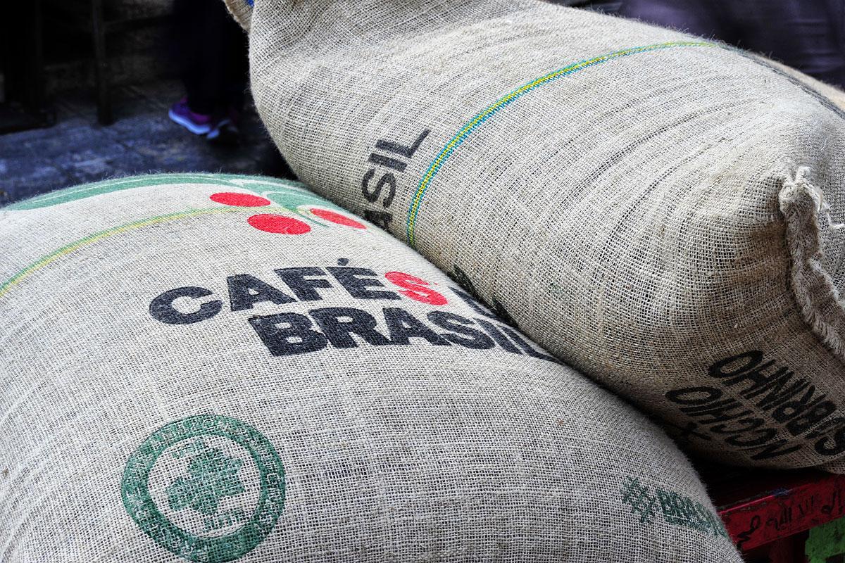 Brasilianischer Kaffee für türkischen Mokka in Jerusalem