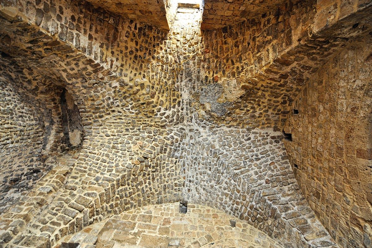 Kreuzgewölbe in der Hospitalerfestung Akko.