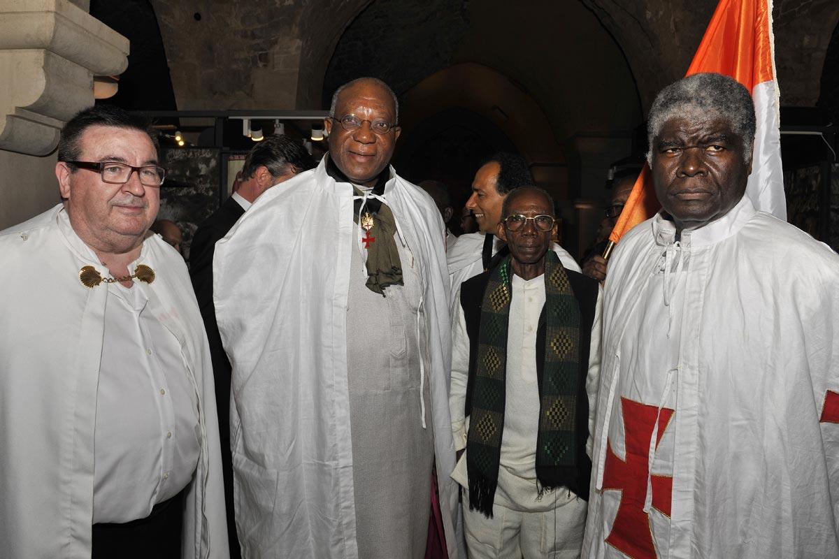 Weltpräsident (Mitte) der Templer in Akko.