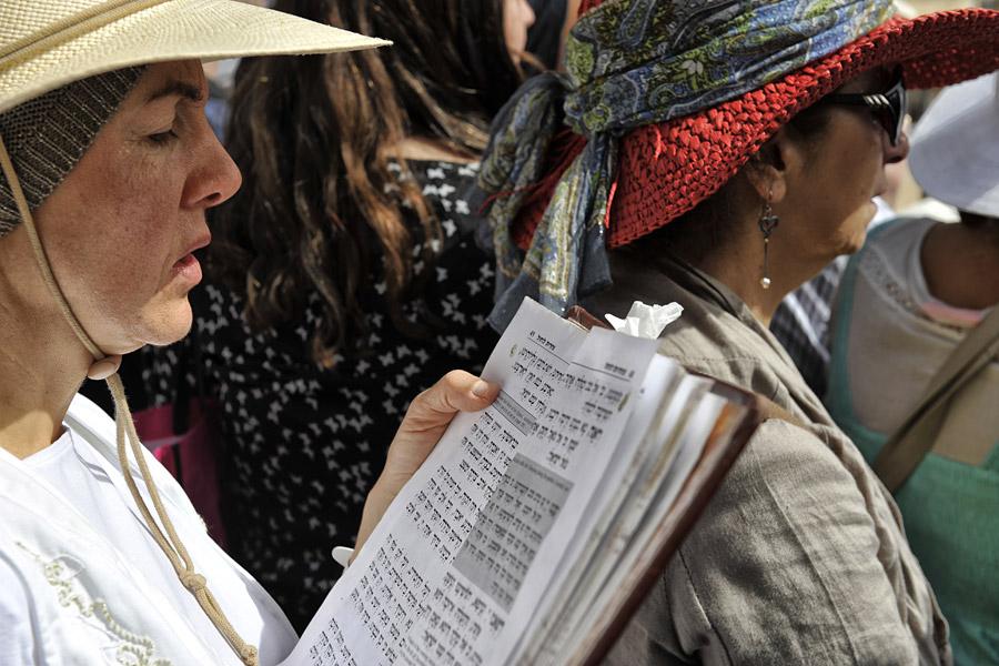 Zehntausende versammeln sich zu Pessach, um den Aaronitischen Segen zu empfangen und mitzubeten.