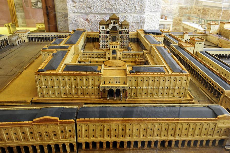 Modell des Zweiten Jüdischen Tempels von Conrad Schick.