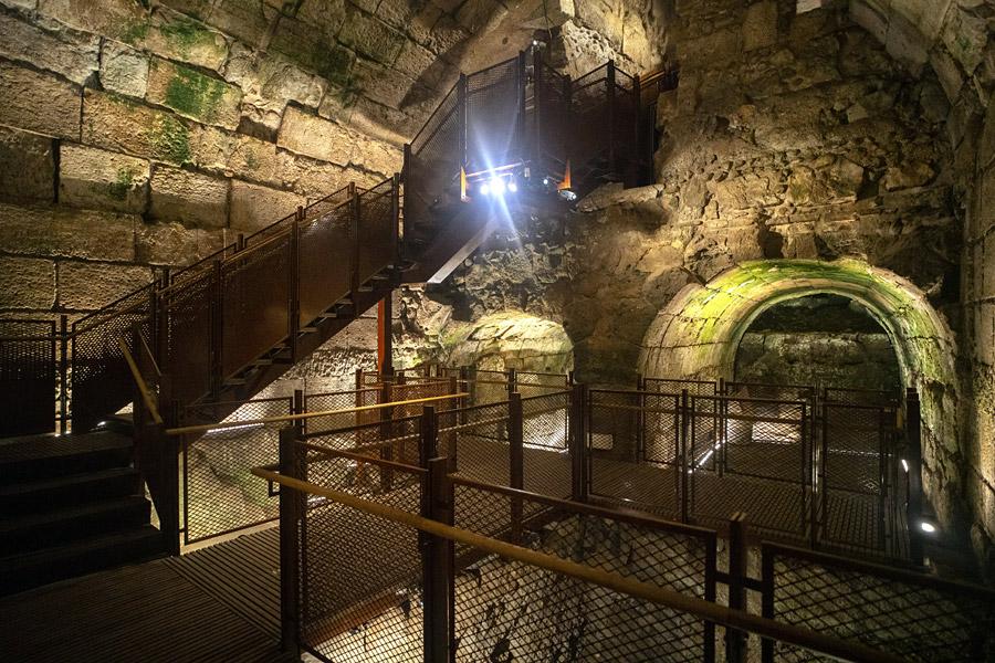 Teile der neuen unter irdischen Route im Klagemauer-Tunnel.